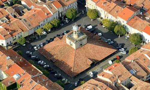 Vue aérienne du Beffroi de Revel